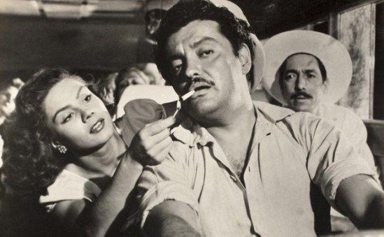 Lilia Prado and Luis Aceves Castañeda in 'Subida Al Cielo.'  credit: viajeaqui.abril.com.br