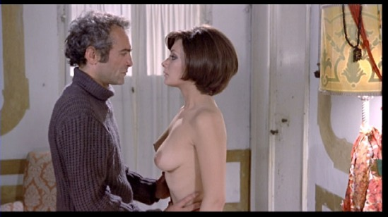 Oliviero (Luigi Pistilli) can't resist his young niece, Floriana (Edwige Fenech) in 'Your Vice Is A Locked Room...'  credit: horrordigital.com